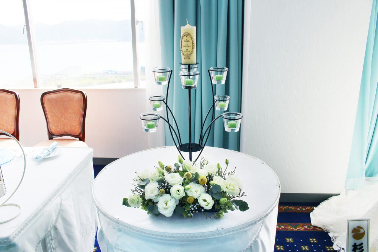 花はるのウエディングキャンドルのフラワー装飾1